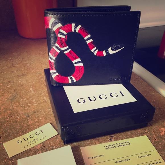 23bb7cb5ba71ed Gucci Accessories   Snake Print Supreme Bifold Wallet Nwt   Poshmark